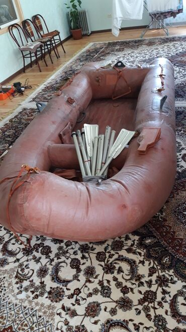квартира за 10000 в месяц in Кыргызстан | СНИМУ КВАРТИРУ: Продаётся надувная лодка, в хорошем состоянии. Размеры: 3.10× 1.4×0.4
