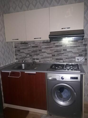 kuxna mebili - Azərbaycan: Kuxna mebeli satılır. Mebel 1 ildir qoyulub evde yasayis az olduqu