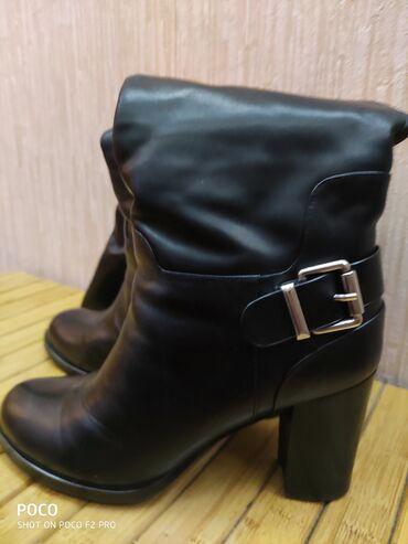 Продаются б/у кожаные сапоги 39 размера, состояние отличное, фирма кан