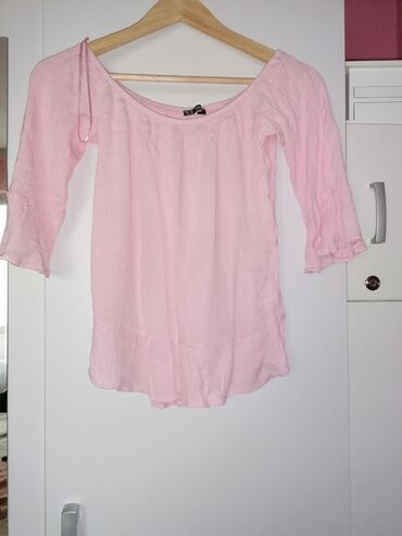 Ženske majice - Leskovac: Bluzica vel. 36, moze i za 38