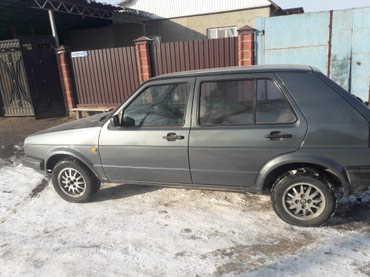 Volkswagen Golf 1985 в Бишкек