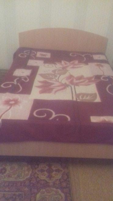 Продаю двухспальную кровать с в Бишкек