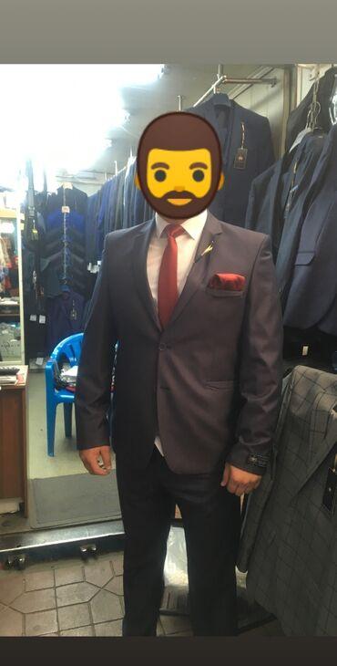Турецкий мужской костюм 50 размера, идеальное состояние, рубашка в