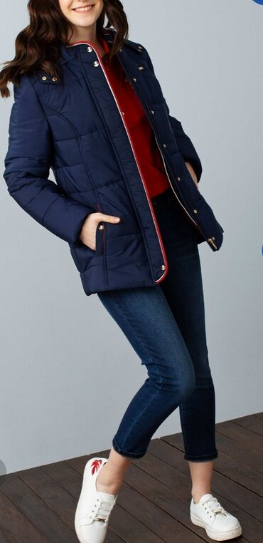 В наличии тёплая куртка от USPolo,оригинал 100%,внутри флис, размер 40