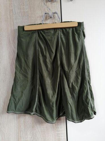 Maslinasto zelena suknjica,odgovala velicini S-M