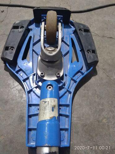 Продаю скейтборд алюминиевый в хорошем состоянии двухколёсный длина