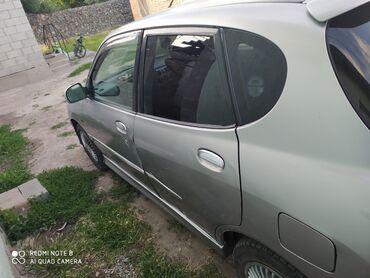 Toyota Duet 1.3 л. 2002