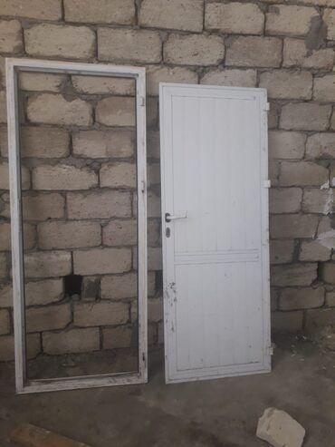 plastik qapi pencere - Azərbaycan: PLASTIK qapi ve pencere satilir. QAPI: eni 80 sm,hund 2