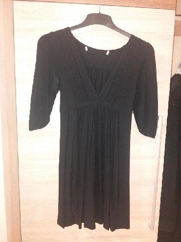 Crna pamučna haljinica, sportska elegancija. Velicina M. Blagi