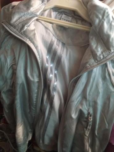 Спортивные лосины адидас - Кыргызстан: Куртка спортивная Адидас оригинал ткань атлас, шикарный, б/у