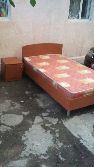 Продаю кровать и тумбы большая и маленькая в Бишкек