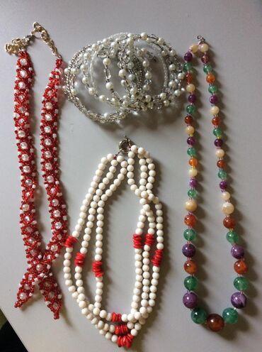 Ogrlice, sve za 500 dinara