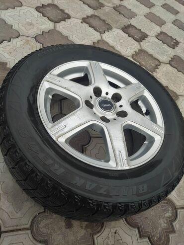 """шины 195 65 r15 зима в Кыргызстан: Диски с зимними шинами """"Бриджстоун"""" (комплект)195/65/R15В идеальном"""
