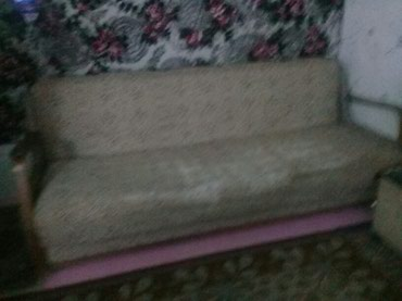 Диван,б/у, на пружинах, требуется перетяжка ткани. в Бишкек