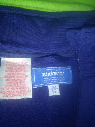Sport i hobi - Srbobran: Lepa unisex adidas jakna,nosena malo.br.164