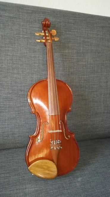 Скрипки - Кыргызстан: Продаю скрипку альт все вопросы по телефону