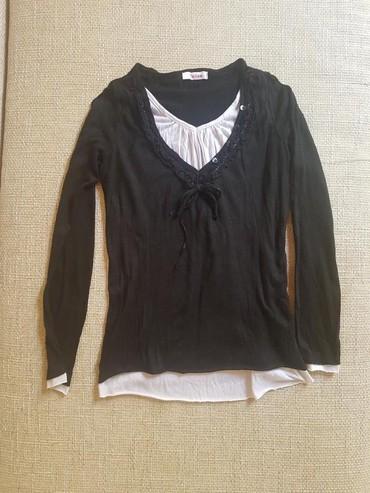 Neobicna bluza,veoma lagana i prijatna,par puta nosena - Novi Sad