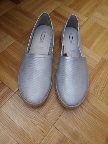 Bluza-sivo-teget - Srbija: Nove kozne baletanke, nisu nosene, broj 38, sivo-srebrne boje