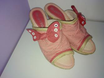 Dzemper na kopcanje - Backa Topola: Papuče na punu petu (platformu) broj 39  Papuče su nošene 7 dana na mo