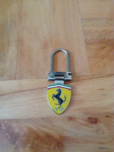 Ferrari privezak