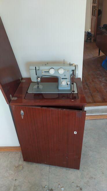 Продаю швейную машинку. Не электрическая, но можно поставить