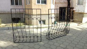 Простые решетки с кованными элементами в Бишкек
