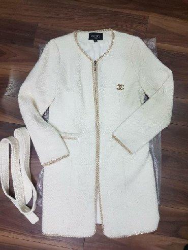женские-пальто в Кыргызстан: Продаю б/у сюртук в отличном состоянии, размер 44 (М), ткань шанель