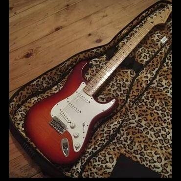 Fender strotacaster deluxe made in mexiko 1100aznGövde
