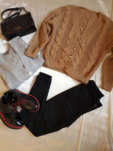 Беретка вязанная - Кыргызстан: Вязаные кардиганы-свитера отличного качества,новые.Расцветки:серый