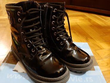 Zimske duboke cipele za devojčice, veličina 32, postavljene veštačkim