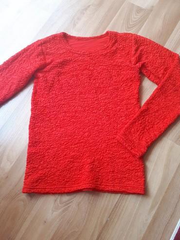 Bluza kao nova bez tragova nosenja, jako rastegljiva, odgovara S/M br. - Despotovac - slika 5