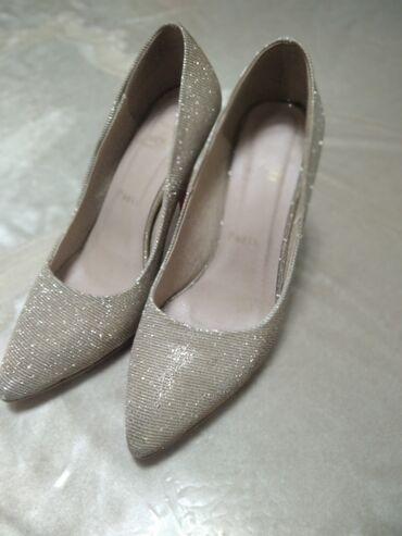 Личные вещи - Студенческое: Красивые вечерние туфли. Носили 3 -4 раза. Состояние 9/10