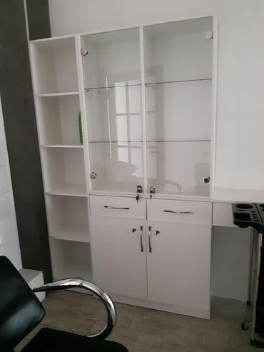 Шкаф с полками для салона. Качественный новый