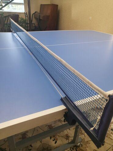 синий dodge в Кыргызстан: Теннисный стол большой качество отличное на колесиках состояние: отлич