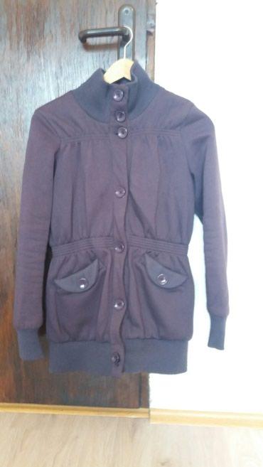 Polovna ženska jaknica, dobro ocuvana, ljubicaste boje, pogodna za - Krusevac