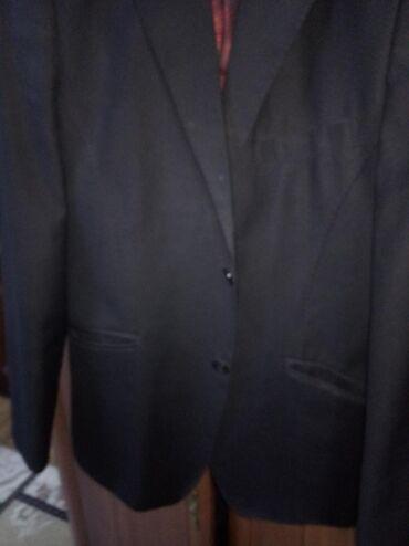 Продаю костюмы недорого 50 размера
