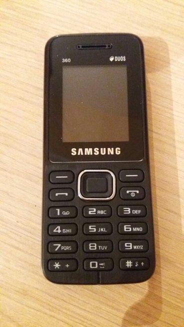 Bakı şəhərində Samsung  360, 1207t    nokia t 210  2 kartdı yaddaş kartı gedir kamera