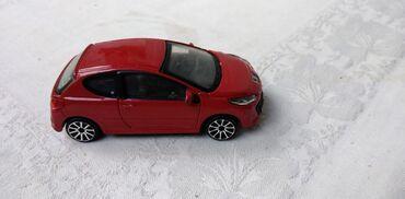 Carlo colucci - Srbija: Burago Peugeot 207,China u razmeri 1:43 Peugeot 207,ocuvan