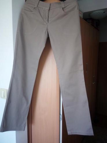 Pamuk-kvalitetne-pantalone - Srbija: Kvalitetne pantalone,marke PS, malo nošene.Veličina 36, boja peska