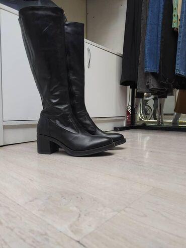 Продаю кожаные сапоги, Италия кожа 100%NeroGiardini 39 размер новые