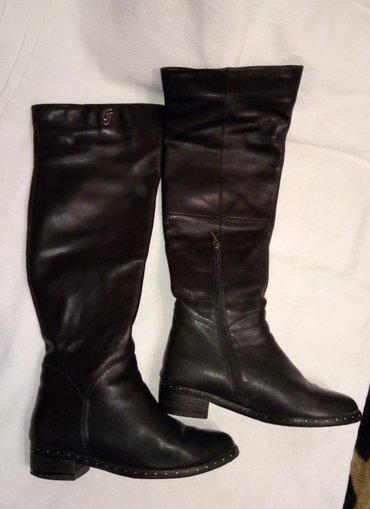 Продаю стильные кожаные высокие в Бишкек