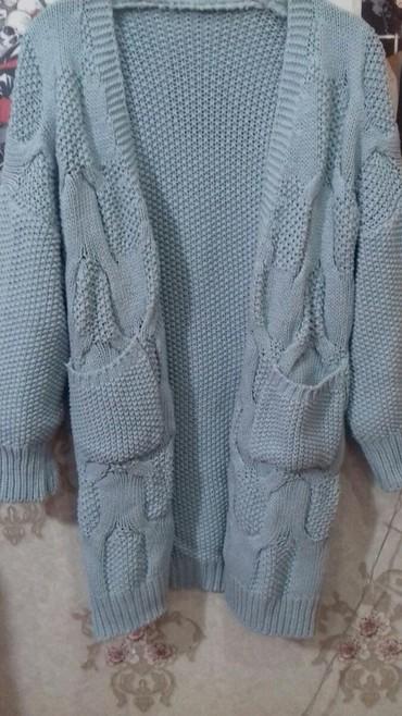 женские осенние туфли в Кыргызстан: Теплый осенний кардиган светло голубого цвета. Крупная вязка,качество