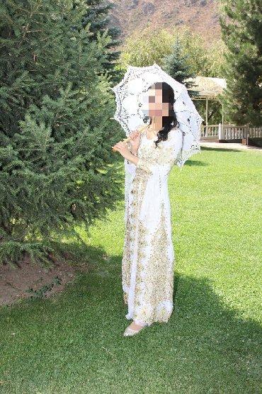 Продаю Национальное платье, полностью вышито в ручную,одевала всего