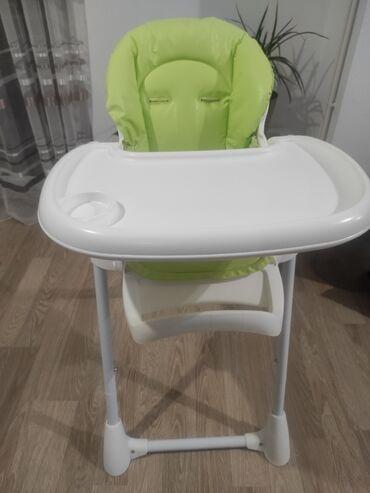 Znad kolena - Srbija: Na prodaju CAM hranilica za bebe, kao nova. podesiva u 6 nivoa visine