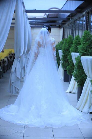 кружевное платье со шлейфом в Кыргызстан: Продам в хорошие руки) нежное, кружевное свадебное платье LaSposa