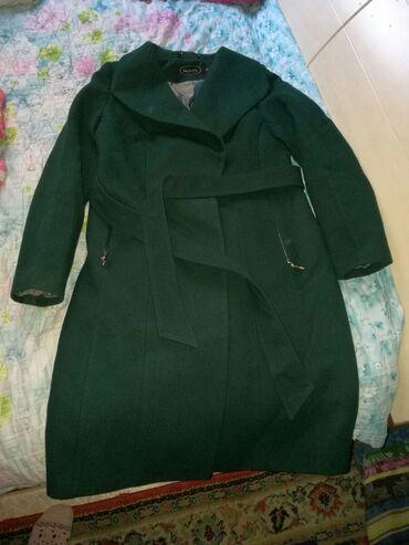 Женское пальто. Зеленого цвета. Новое. Размер на 46. Цена 1000 сом