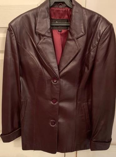 все цвета в Кыргызстан: Жакет кожаный,цвет бордо б/уMANNIER, размер 50. На бордовом оттенке