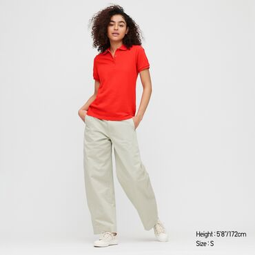 veshhi 7 в Кыргызстан: Продаю новую футболку поло от Uniqlo, ярко-красного цвета.  Состав тка