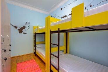 Двуспальные кровати в Кыргызстан: В связи с закрытием продаю:Двухъярусные кровати с матрацем на
