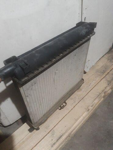 Транспорт - Кок-Ой: Продаю радиятор на мерс 124 серии об 23 20 состояние отличное